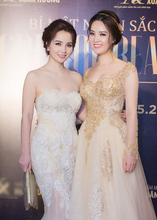Ngắm Á hậu Thụy Vân - Mai Thu Huyền như chị em sinh đôi