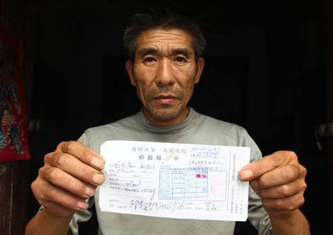 Người đàn ông bị chẩn đoán nhầm nhiễm HIV suốt 10 năm