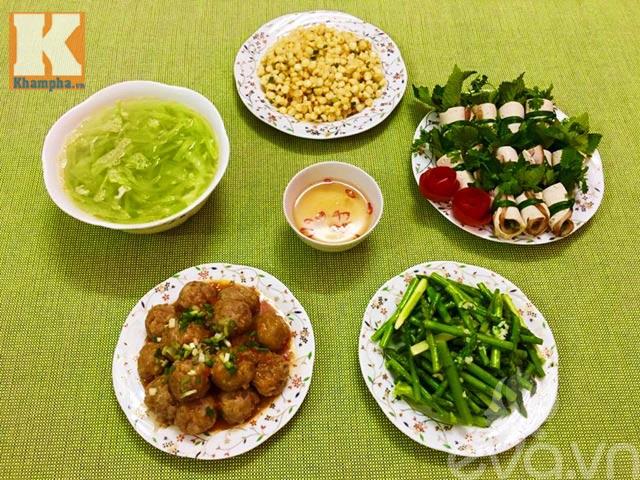 Bữa cơm chiều ngon cho gia đình