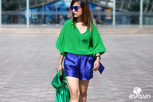 Chị em Hà Thành cùng thời trang dạo phố hấp dẫn