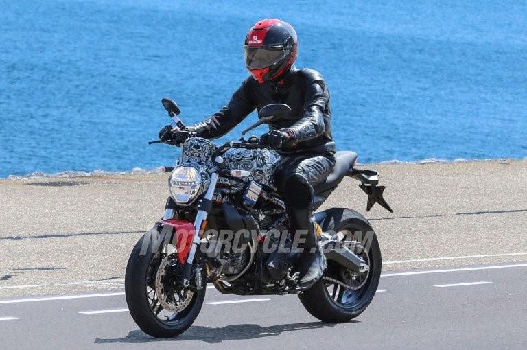 Ducati Monster 800 2017 lộ diện trên đường chạy thử nghiệm
