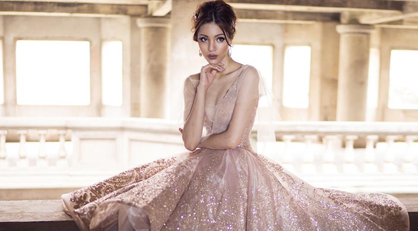 Giải vàng Siêu mẫu Việt Nam 'hững hờ' với đầm dạ hội