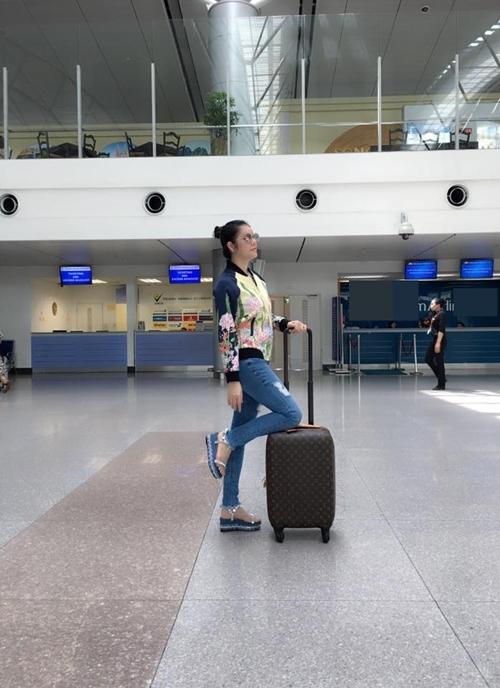 Lý Nhã Kỳ sợ bạn trai buồn khi đi công tác nước ngoài
