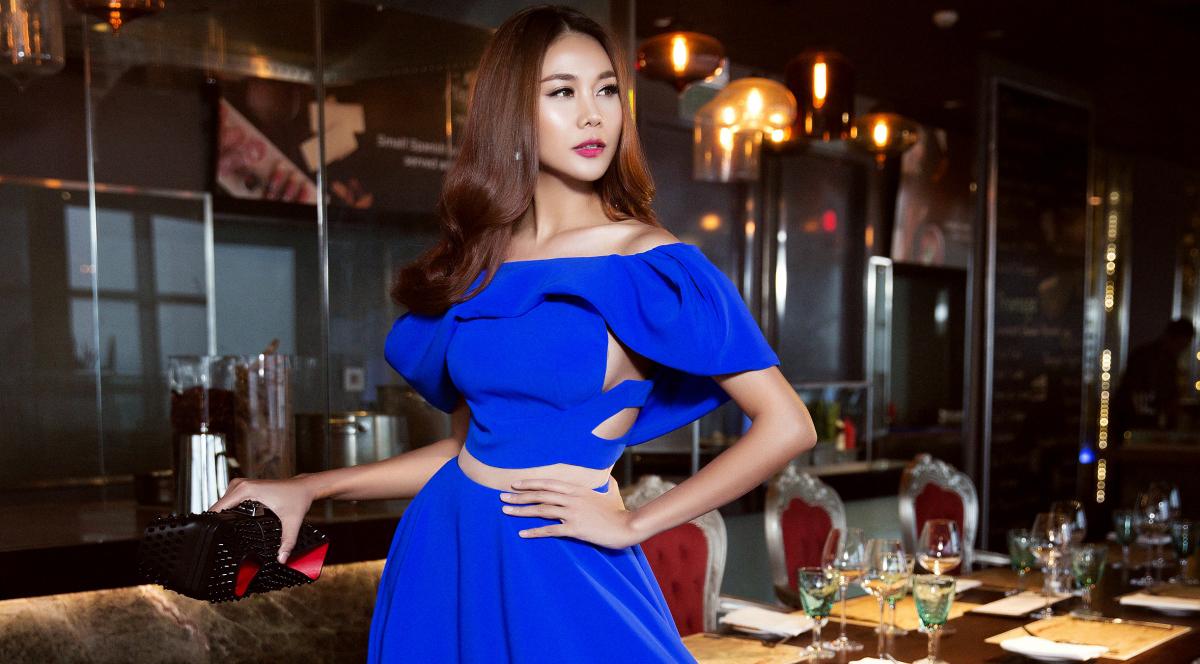 Siêu mẫu Thanh Hằng trẻ trung kiêu sa với đầm dạ hội