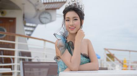 Hoa hậu Đỗ Mỹ Linh như công chúa dự sự kiện ở Đài Loan