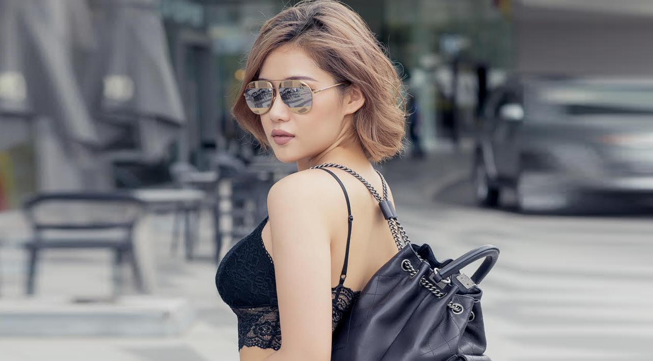 Milan Phạm hở bạo dạo phố Sài Thành