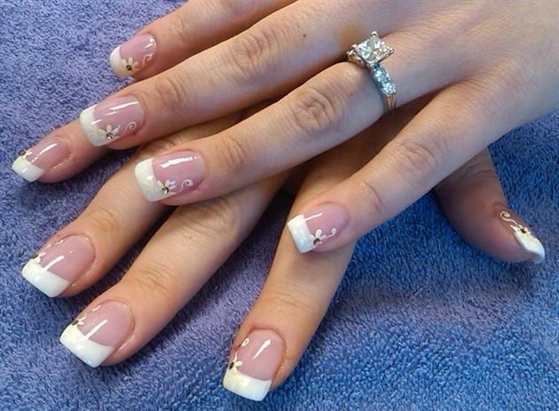 Những kiểu móng tay đẹp sang trọng quý phái cho cô dâu