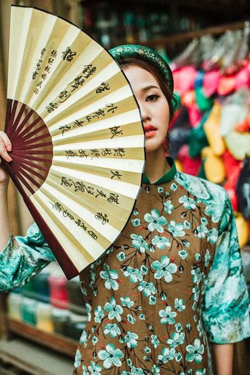 """Hot Girl Nhung Gumiho """"cực bánh bèo"""" khi diện áo dài đón Tết"""