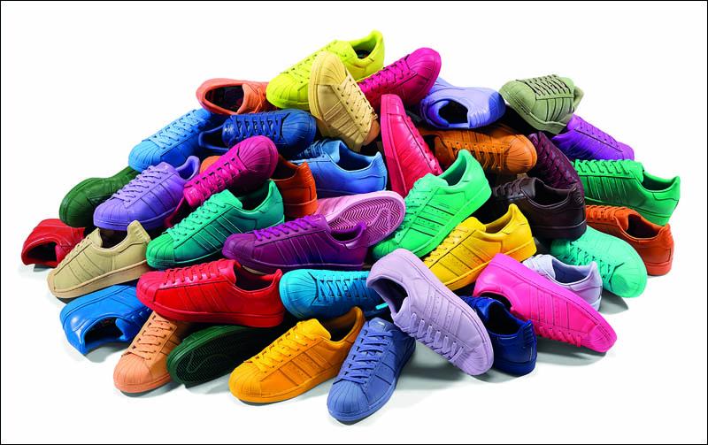 BST giày 50 sắc thái của Adidas đầy trẻ trung