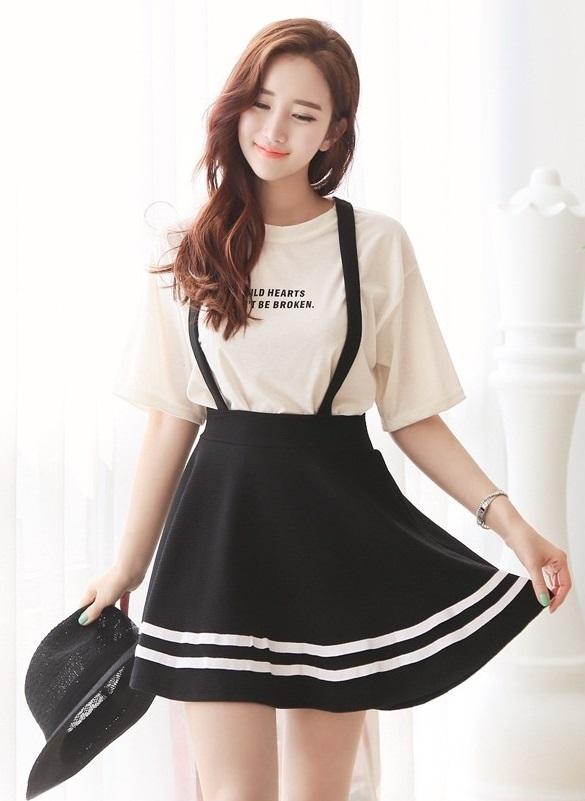 Váy yếm cho nàng dễ thương xinh xắn hè 2107