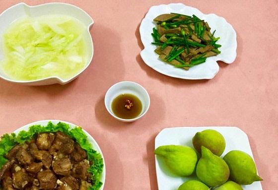 Bữa cơm ít món nhưng đủ chất và thơm ngon