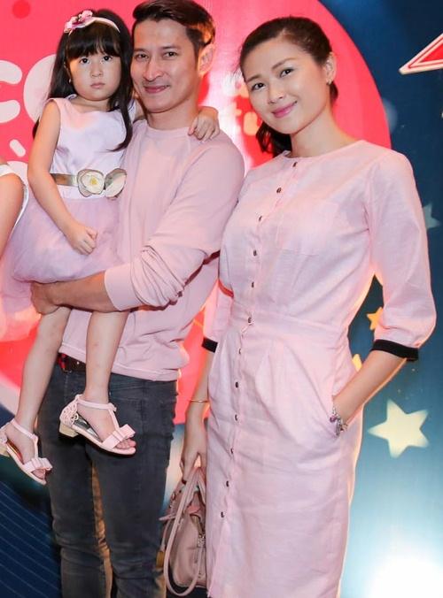 Vợ và con gái của Huy Khánh lần đầu lên sóng truyền hình