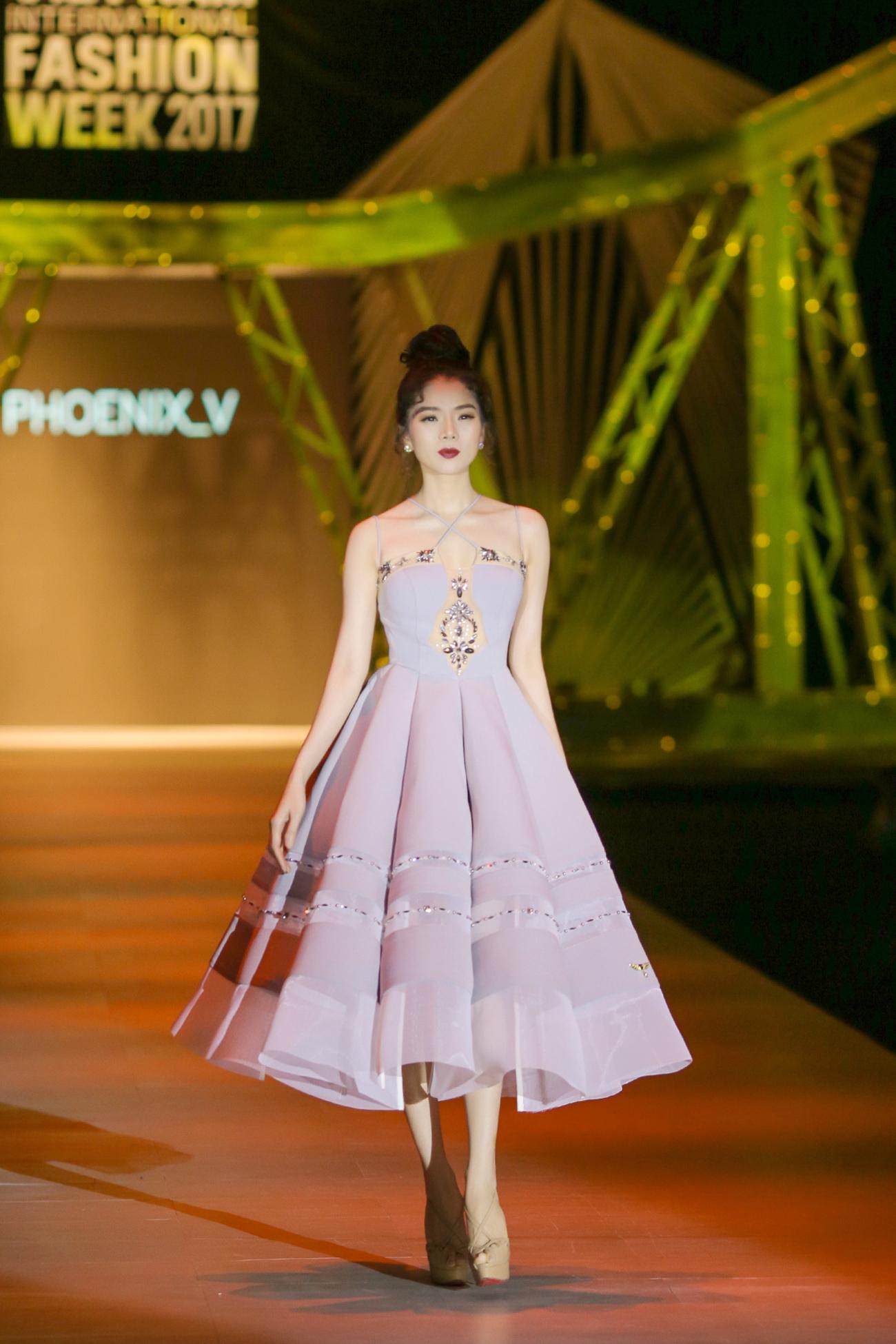 Phượng Hoàng Việt khơi lại trào lưu 'chân mày rẽ ngôi' gây sốt một thời