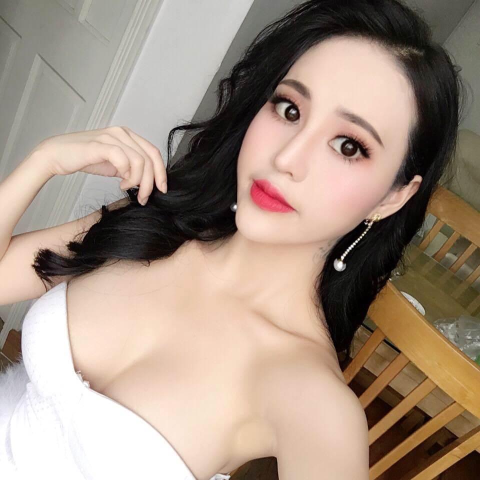 Không rời được mắt trước vẻ đẹp của thiếu nữ Hà thành