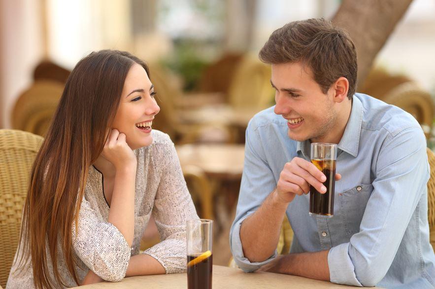 Những câu hỏi bạn nên hỏi chàng trong buổi hẹn