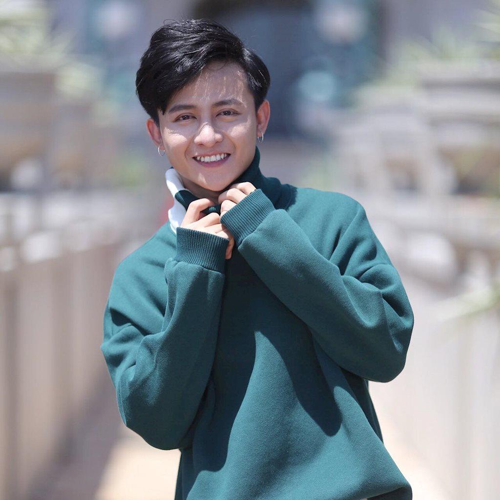Chàng hot boy mê ca hát, lắm tài lẻ nổi tiếng Bến Tre