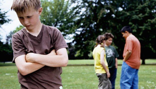 Những dấu hiệu nhận biết trẻ bị mắc chứng tự kỷ