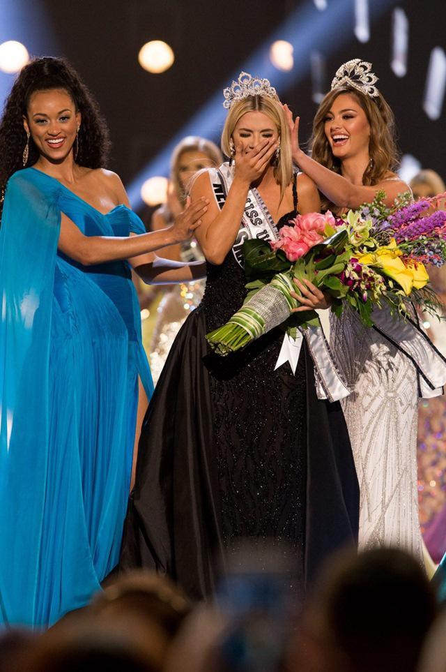 Cô gái 1m65đã xuất sắc đăng quang Hoa hậu Mỹ