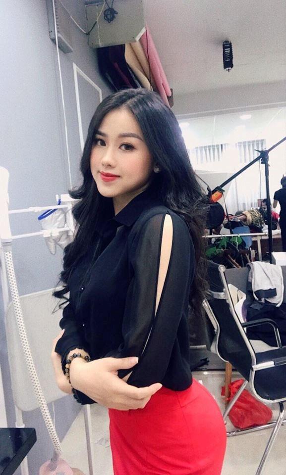 Á khôi xinh đẹp ĐH Văn hóa Hà Nội ngàn người theo dõi