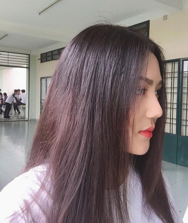 Nữ sinh Sài Gòn sinh năm 2002 tên Triệu Vy cá tính