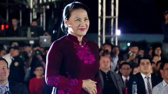 BST áo dài của NTK Đỗ Trịnh Hoài Nam gây chú ý