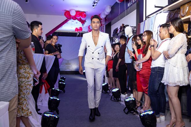 Dàn siêu mẫu nam hội ngộ cùng ca sĩ Isaac tại thời trang 4MEN
