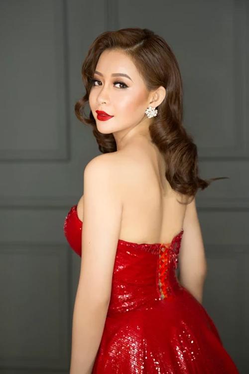 Hút mắt cùng Hoa hậu Hải Dương lộng lẫy với đầm dạ hội đỏ rực