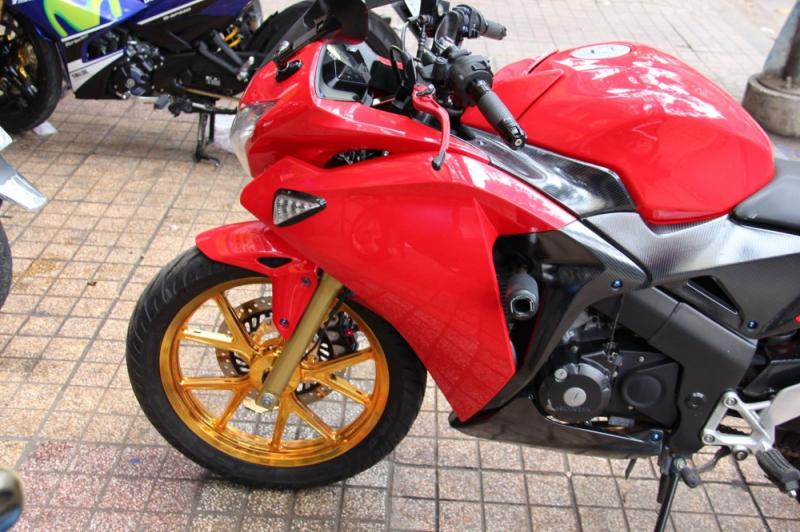 Honda CBR 150 độ nhẹ cùng dàn chân hàng hiệu hút hồn