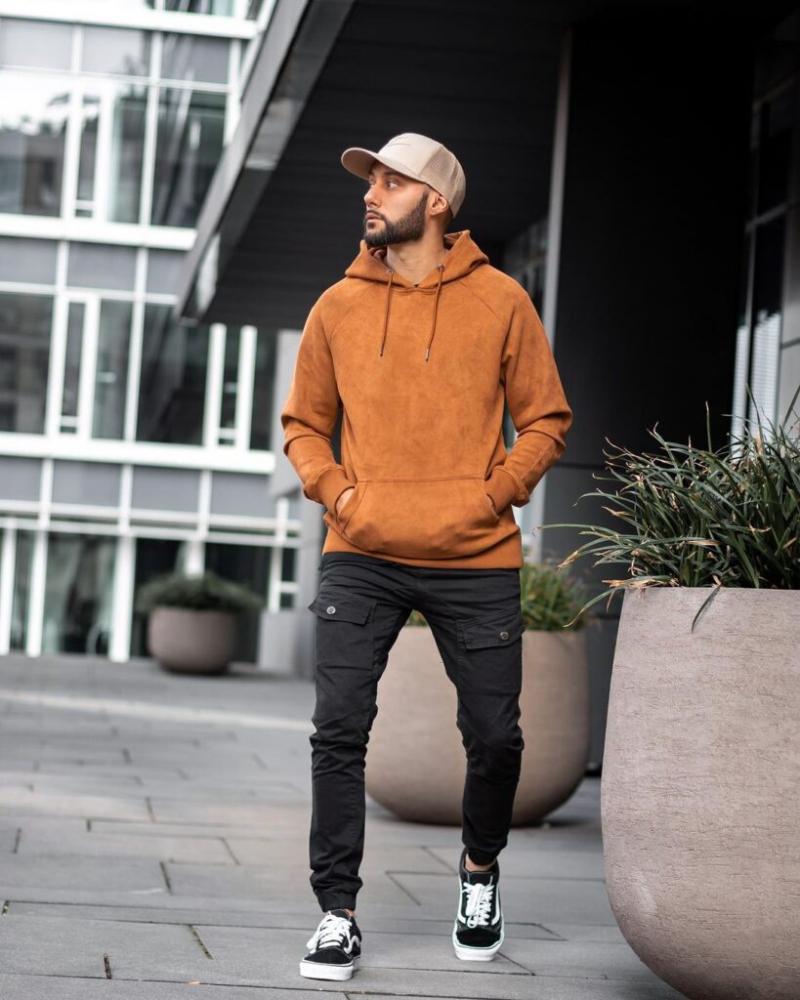 Đậm chất streetwear nổi bần bật trên phố