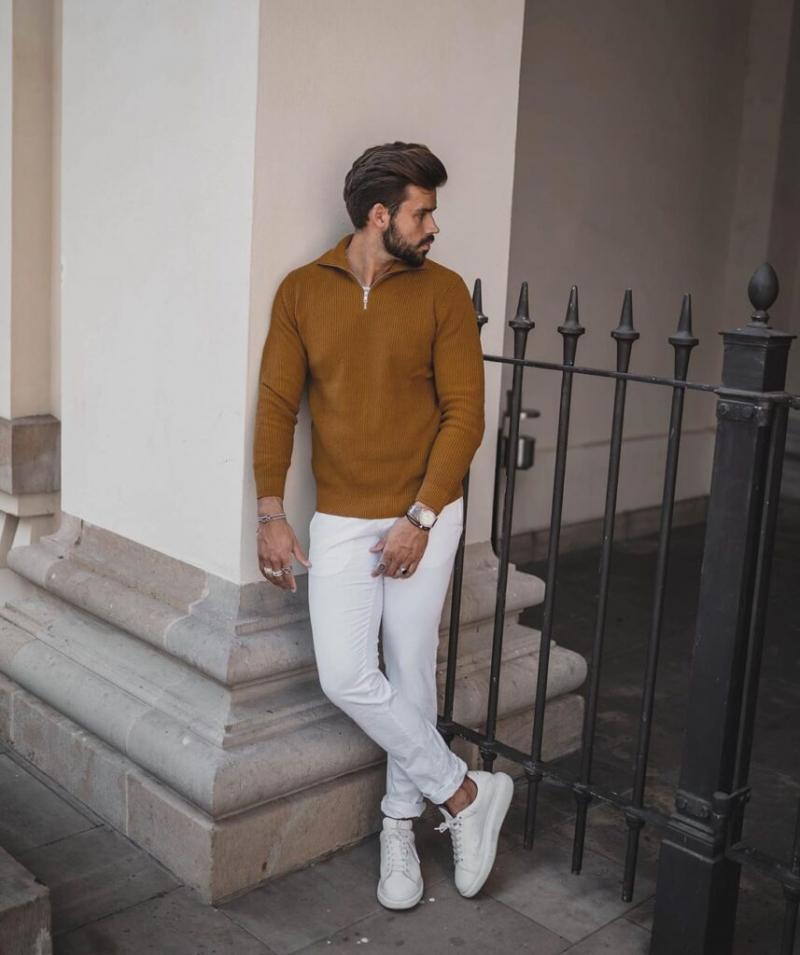 Bắt trend với quần jeans trắng giúp chàng xuống phố thoải mái