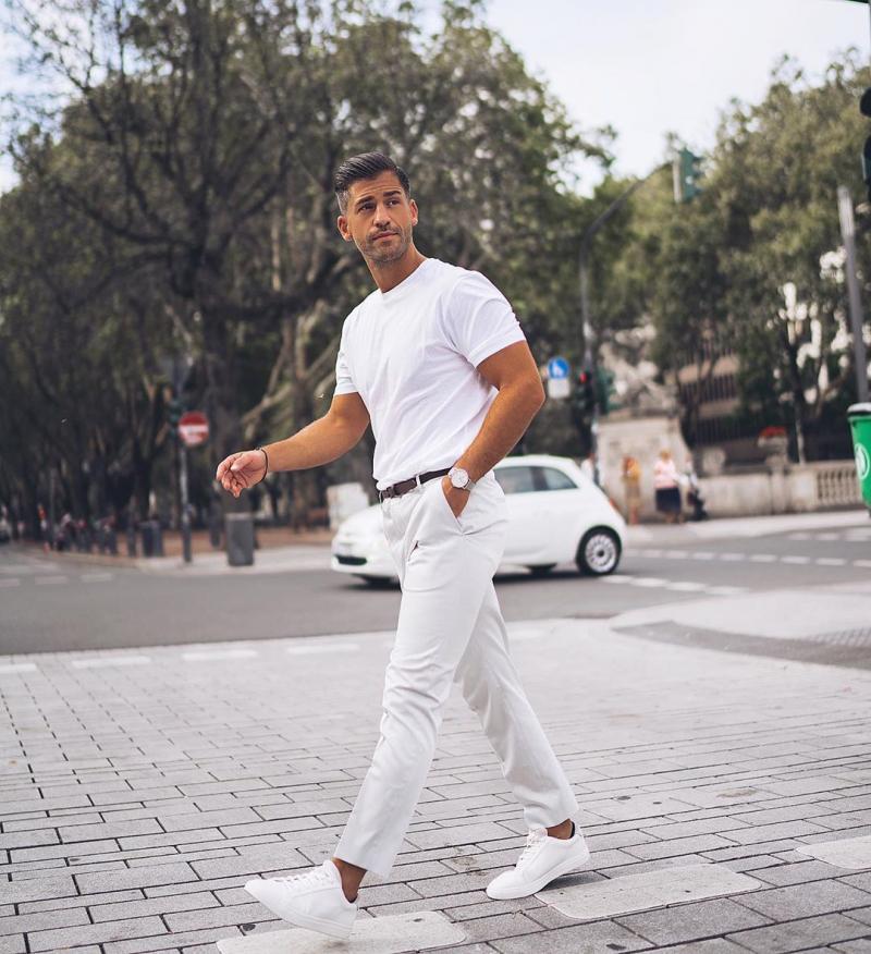 5 tips phối đồ cùng giày sneaker trắng giúp chàng định hình phong cách