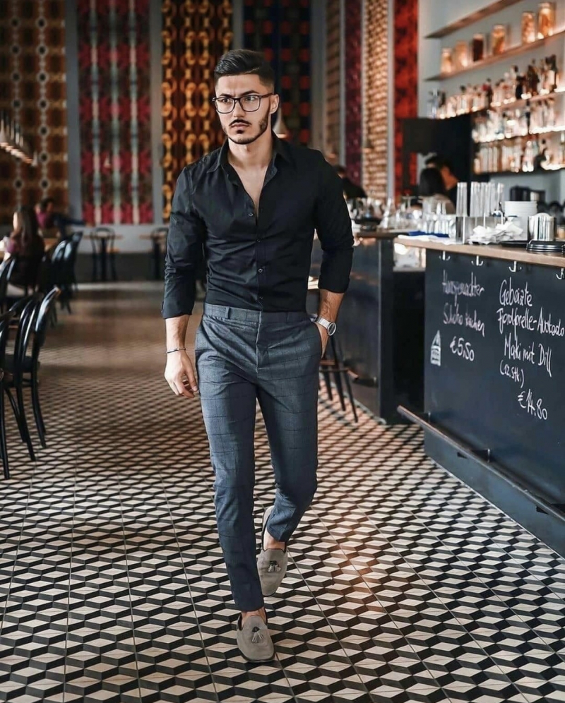Cảm hứng lên đồ cực sành điệu và nam tính với mốt áo sơ mi đen cá tính