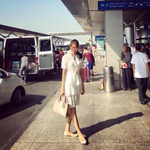 Thời trang sân bay điệu đà của Hoa hậu, Á hậu Việt