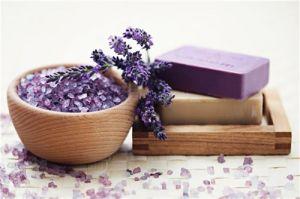 """""""Thần dược"""" muối giúp trị mụn và dưỡng da tại nhà cực đơn giản"""