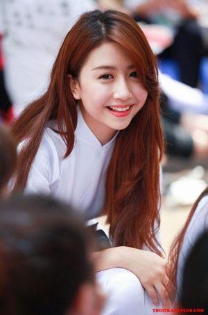 Tóc nổi bật khi đến trường của Hot Girl Việt