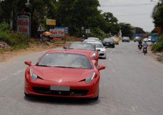 Dàn siêu xe 'họp mặt' tại Quảng Ninh