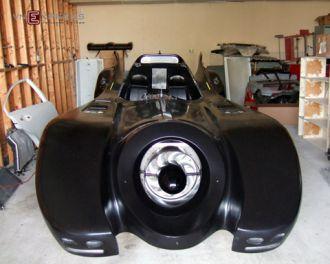 Người Việt tại Mỹ chế tạo 'siêu xe Batmobile'