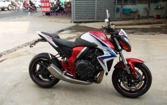 Kawasaki Z1000 và Honda CB1000R với người chơi xe Việt Nam