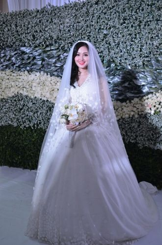 Tuyển tập váy cưới nổi bật của sao Việt