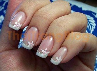 Những mẫu nail móng tay hoa văn đơn giản mà cuốn hút