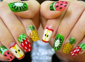Những mẫu nail mát lạnh giúp bạn giải nhiệt những ngày nóng