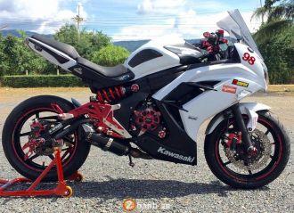 Kawasaki Ninja 650 full đồ chơi Bikers show hàng