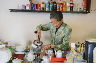 Quán cà phê vợt hơn nửa thế kỷ ở Đà Lạt