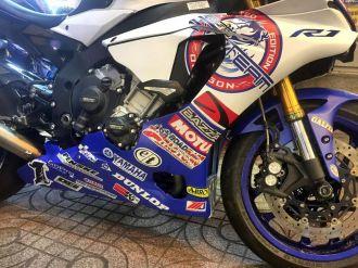 Yamaha R1 lộng lẫy với bộ áo đấu cùng dàn pô hàng hiệu