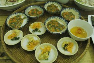 Ghé quán bán hai loại bánh bèo đông khách ở Sài Gòn