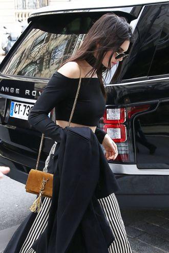 Saint Laurent túi xách được siêu mẫu thế giới ưa chuộng