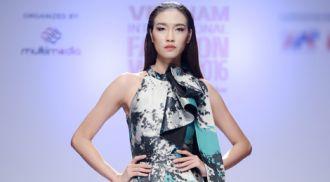 Dàn mẫu Next Top Model khoe sắc trên sàn diễn Hà Nội