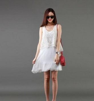 5 kiểu váy đầm suông cho cô nãng mũm mĩm